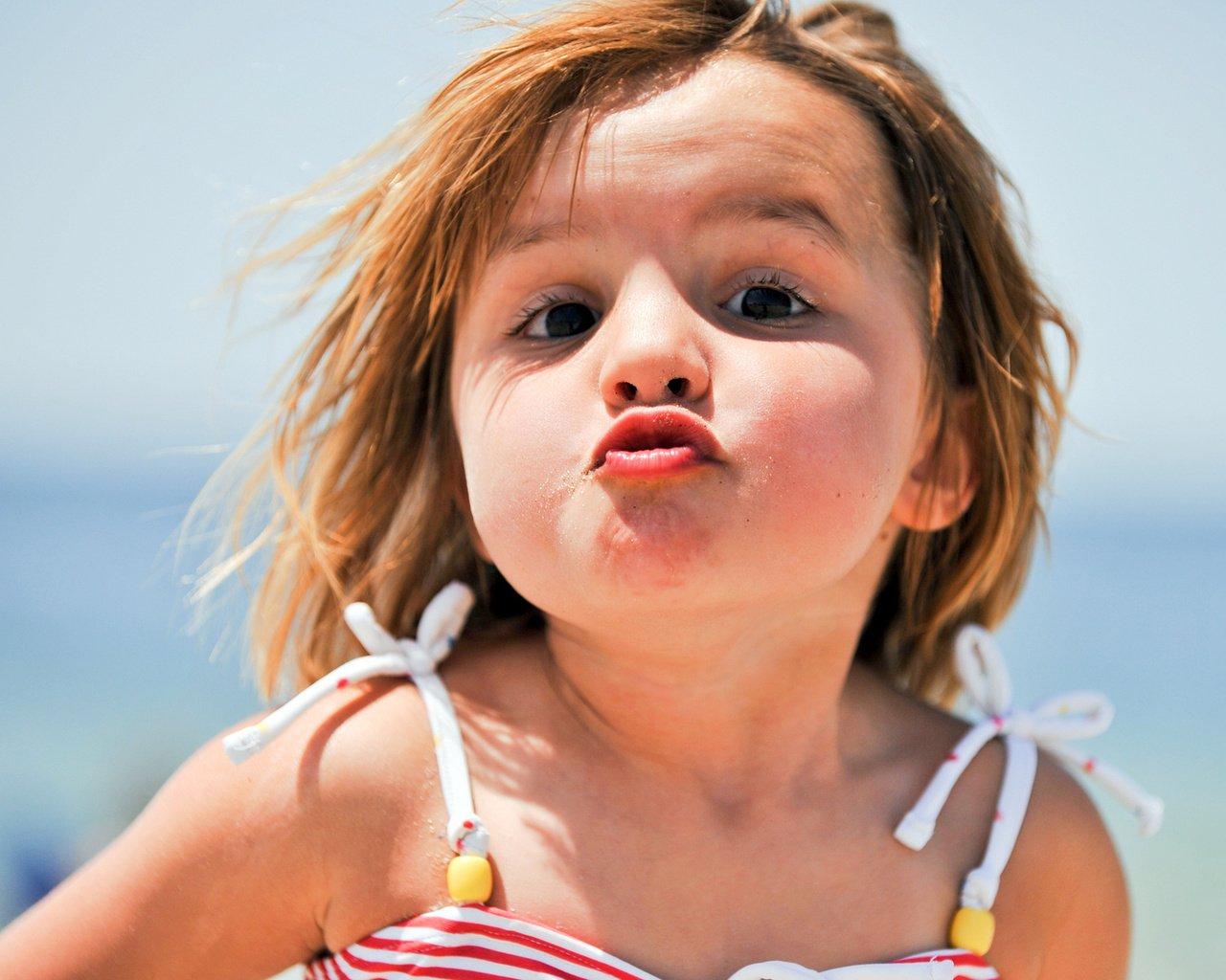Прикольное фото маленьких девочек на аву