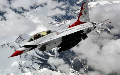 Thunderbird F-16 Fighting Falcon - Авиация