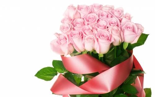 Для рабочего стола букет розовых роз